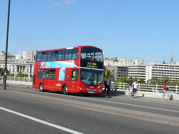 Arriva London VLW104 090925 Waterloo Bridge