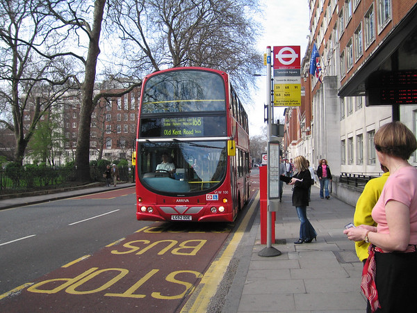 Arriva London VLW100 050402 Tavistock Sq