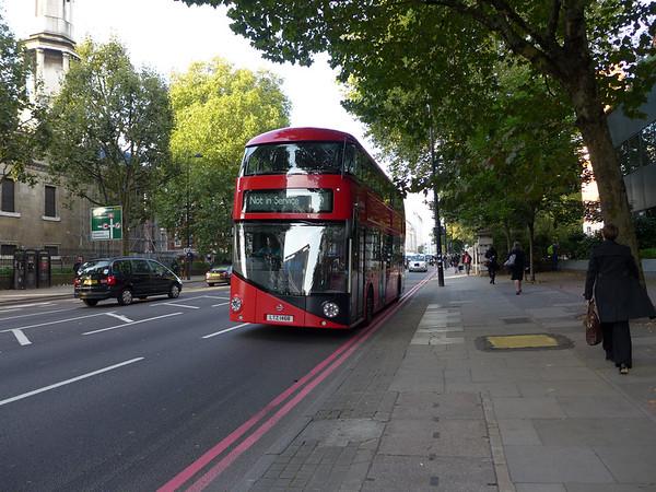 LT468 [Arriva London] 150928 [jh]